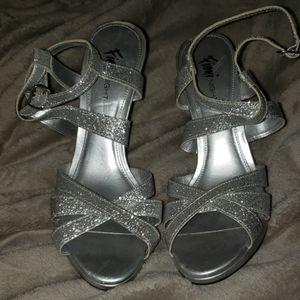 FIONI NIGHT silver strap heels